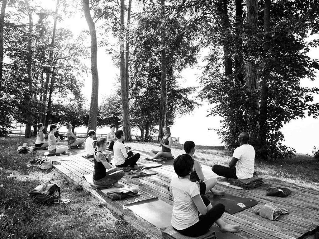 Yoga Iyengar Thonon - Yoga au parc